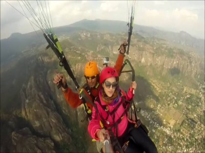 Paragliding flight in Malinalco