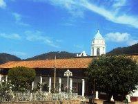 Iglesia y parque de San Sebastián del Oeste