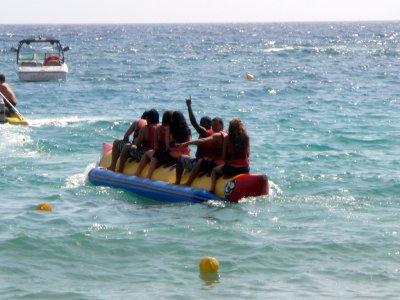 Recorrido de 4 km en banana boat