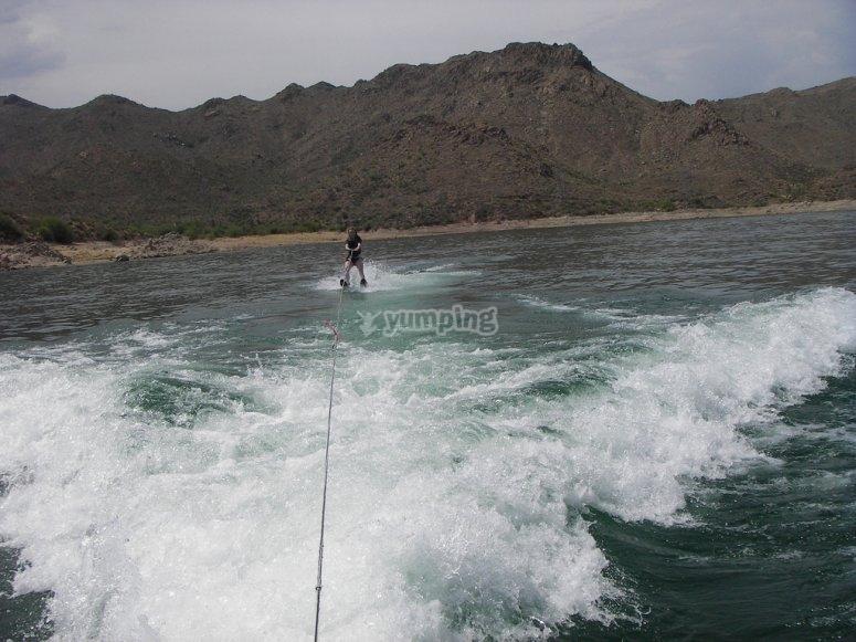 disfruta del esqui acuatico