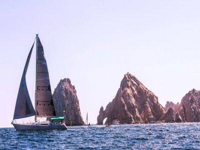 Veleo al atardecer snorkel  y SUP en Los Cabos 2 h