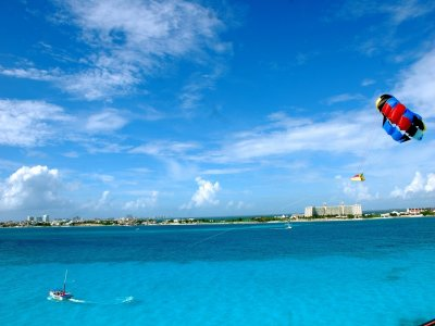 Parasailing in Cancun 30 minutes