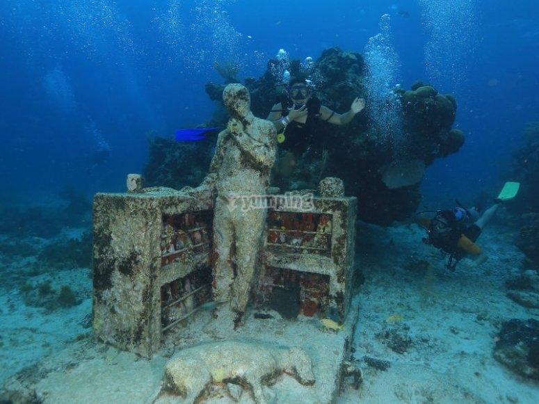 Aventura bajo el mar descubriendo las esculturas del MUSA