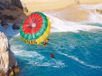 Vuelo de parasailing