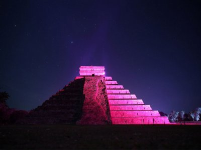 Teotihuacan night tour with dinner 1 day