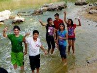 Disfrutando en el rio