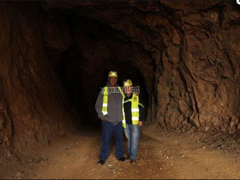 adentro de la mina