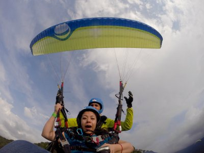 Paraglider flight with photos and HD video
