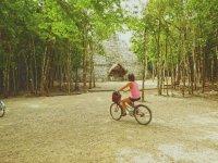 Disfrutando de los tours de caminata y bici de Sian Kaan Tours Caminata
