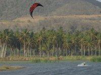 Kitesurfeando