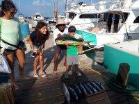 Pesca Deportiva barco 29 ft en Cancún 4 Horas