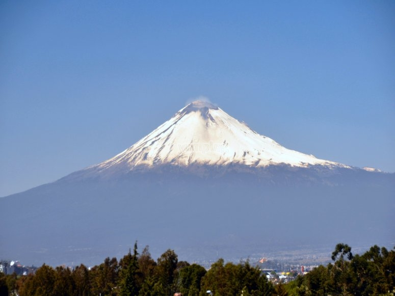 View to the Popocatépetl