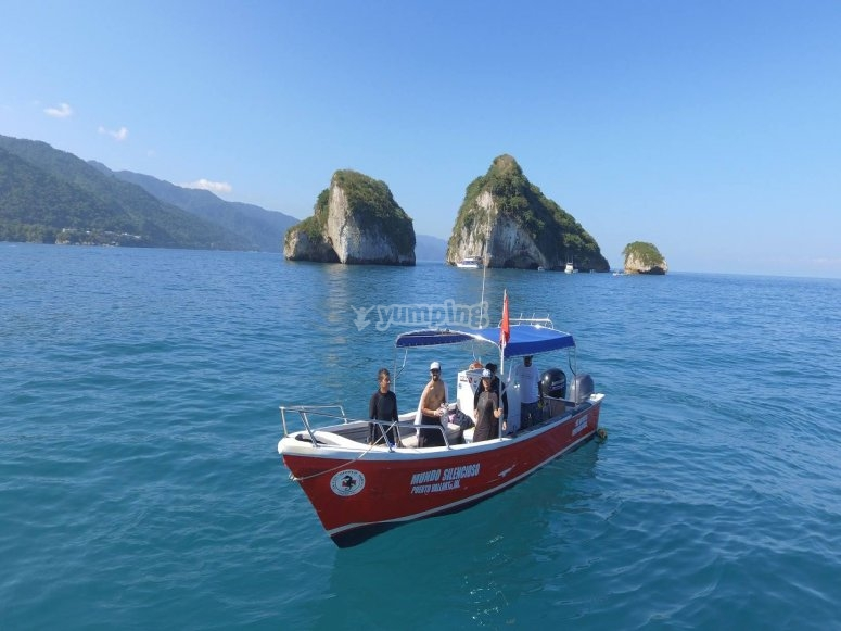 Boat trip to dive