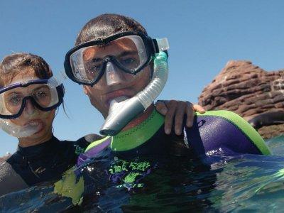 Snorkel y paseo privado en catamarán Los Cabos 4hr