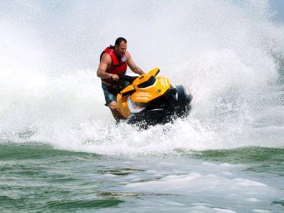 Renta de moto acuática Cancún por 30 minutos