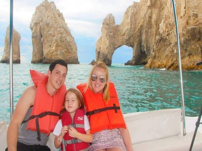 Motorboat trip in Cabo San Lucas for kids