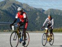 Deportistas en bicicleta