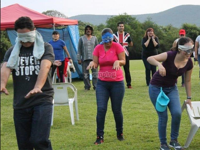 Blindfolded race