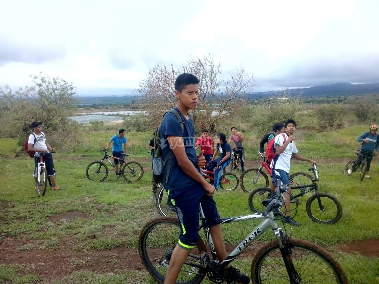 Mountain bikes in the countryside