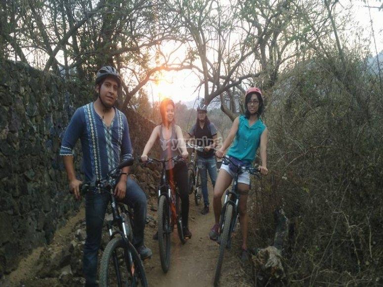 Friends by mountain bike
