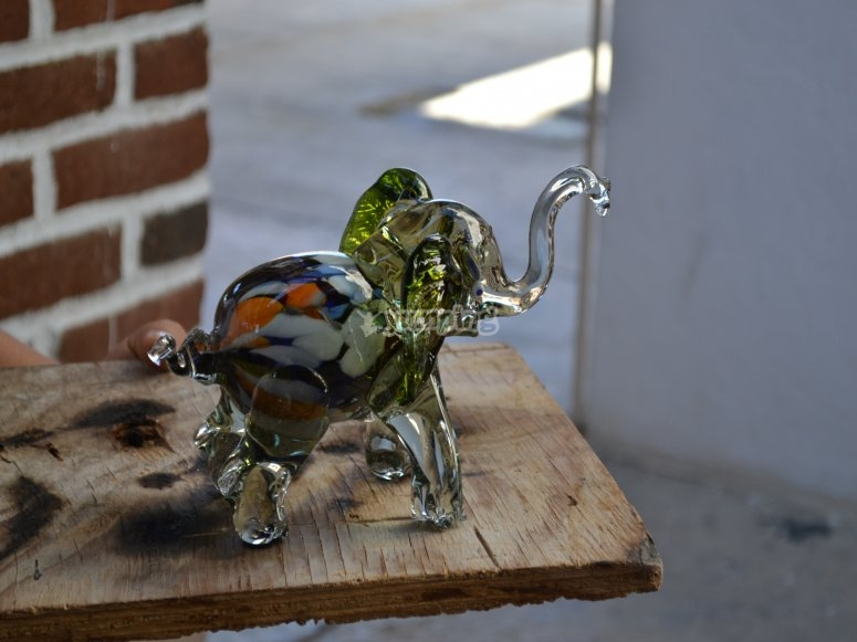 Crafts made of blown glass