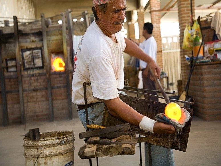 Blown glass manufacturing process