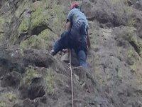 Descendiendo la roca