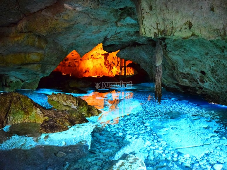 Discover what hides the bottom of the underground river