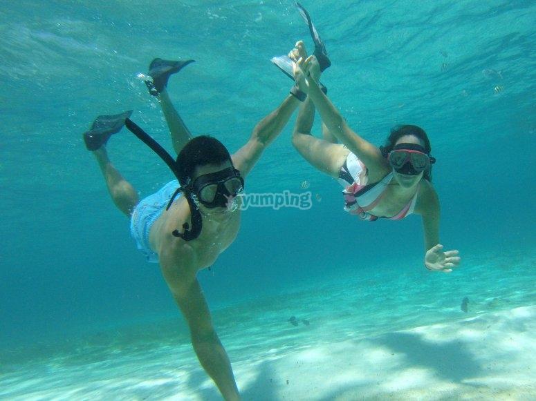 Actividades en pareja bajo el agua