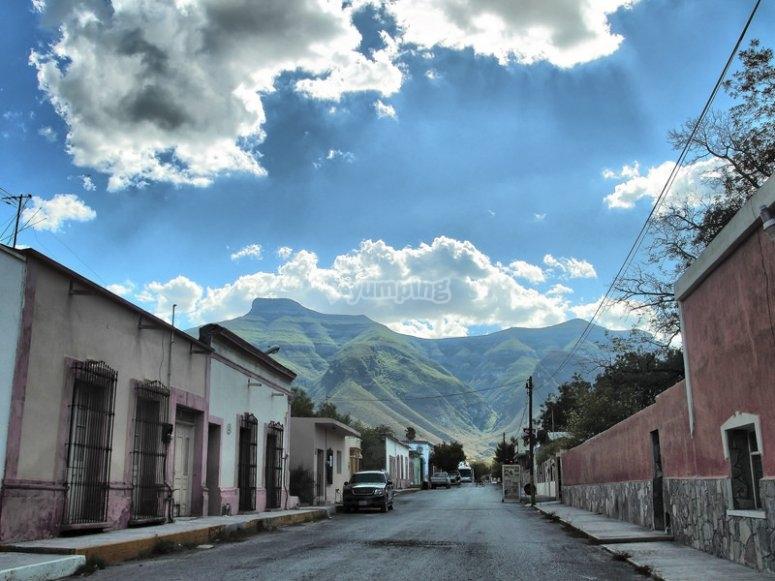 Las montañas desde el pueblo