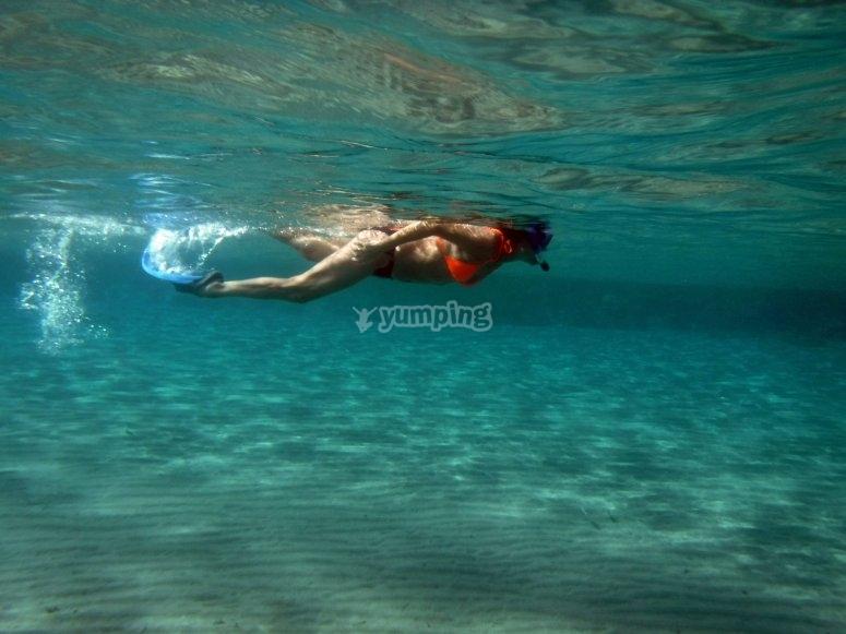 Nadar en isla contoy