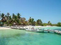 Snorkeling in reef and lunch in Isla Contoy