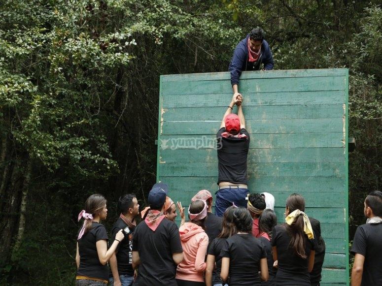 Ayudando en el desafío