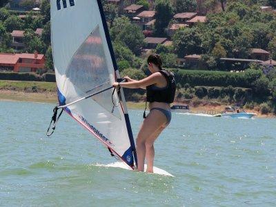 Clase de windsurf en Valle de Bravo 1 hora