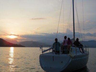 Sailboat trip in Valle de Bravo 1 hour