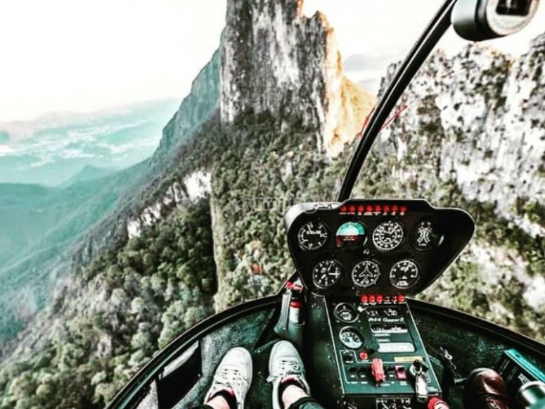 Live this great adventure from the skies of Monterrey