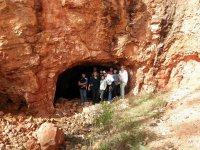 Cuevas y montañas