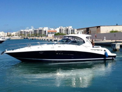 Yacht rental 15 people in Cancún for 1 hour