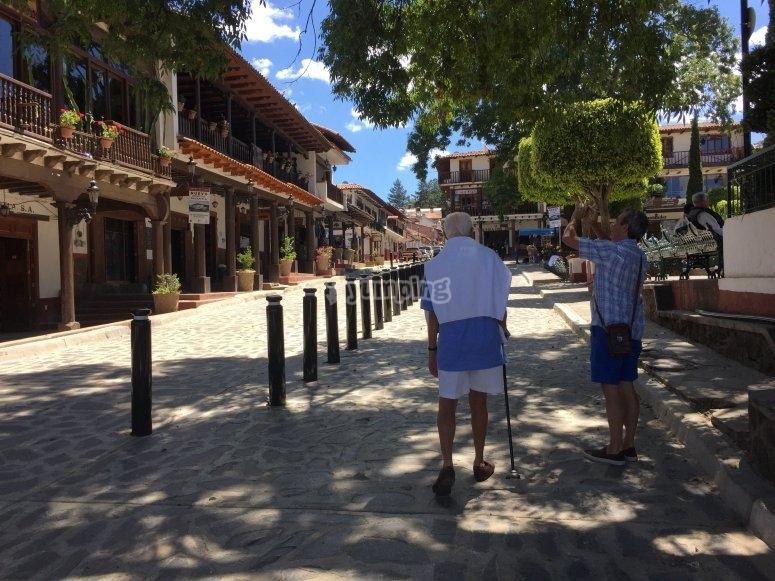 Camina por el centro de Mazamitla