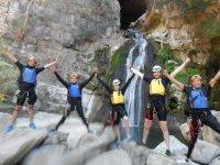 grutas y cascadas