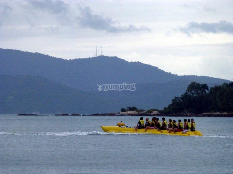 Una experiencia única en el tour de banana boat