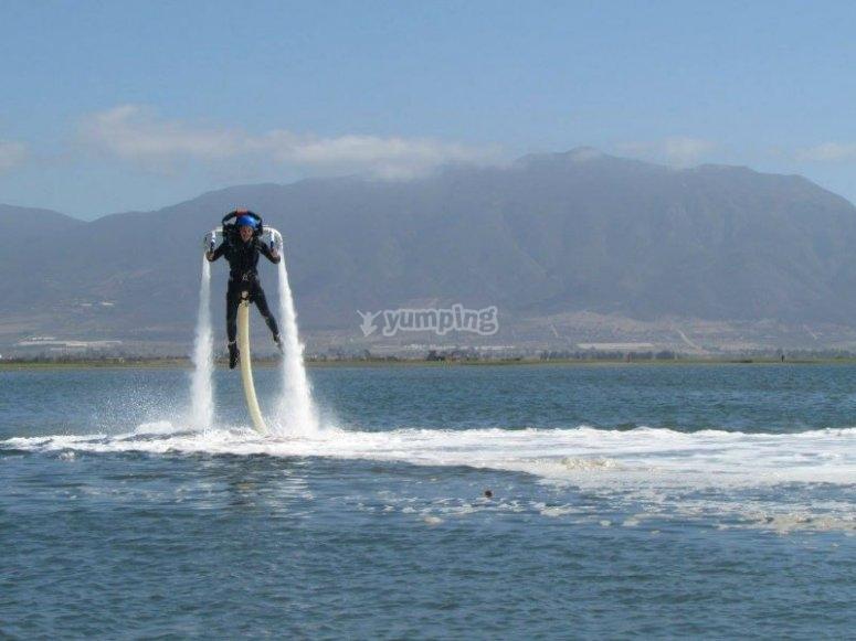 Disfruta de una ruta de jet pack en la playa de Rosarito