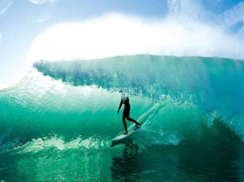 Realiza surf con las increíbles olas de los Cabos