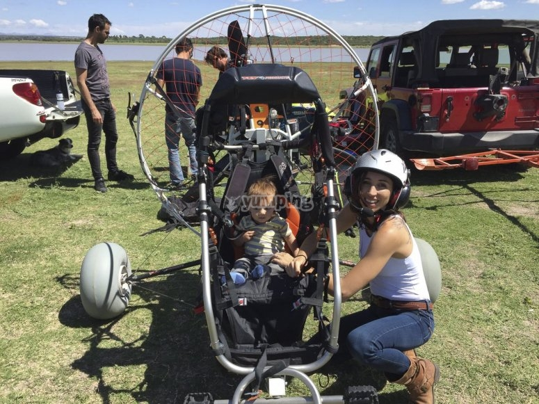 Flying in paramotor as a family
