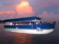 Paseos en Barco al atardecer