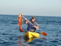Pescando en kayak