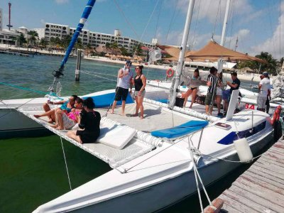 Private catamaran in Riviera Maya 7 hours