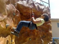 Artificial wall rappelling