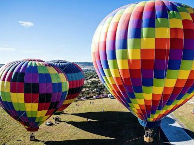 Balloon, lodging and horseback riding in Tequisquiapan