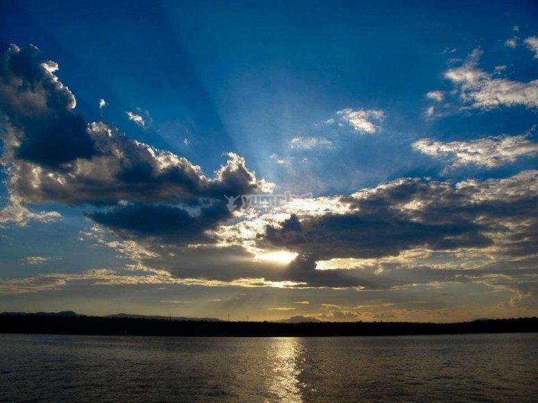 Amanecer en lago